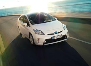 Toyota, 8 milyon hibrit sattı!