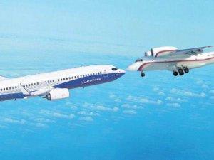Senegal'de 2 uçak havada çarpıştı, biri düştü!