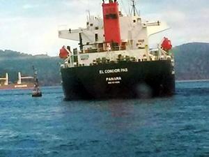 Panama bayraklı M/V El Condor Pas adlı gemi, İstanbul Boğazı'nda karaya oturdu