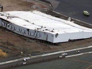 ABD'nin Newark Havalimanı'nda hangar çöktü