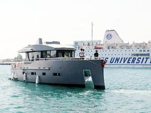 Antalya Serbest Bölge'deki Bering Yachts, Bering 70'i denize indirdi