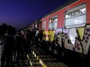 Macaristan, Röszke-Horgos tren yolunu kapattı