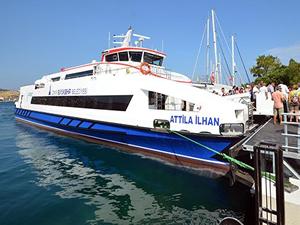 İzmir'den Foça'ya vapur seferleri devam edecek