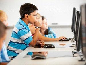 Quadro yeni Eğitim Dönemi Öğrencilerine MS Office hediye ediyor
