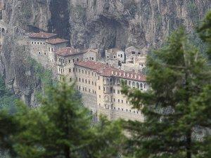 Sümela Manastırı bir yıl ziyarete kapatılacak