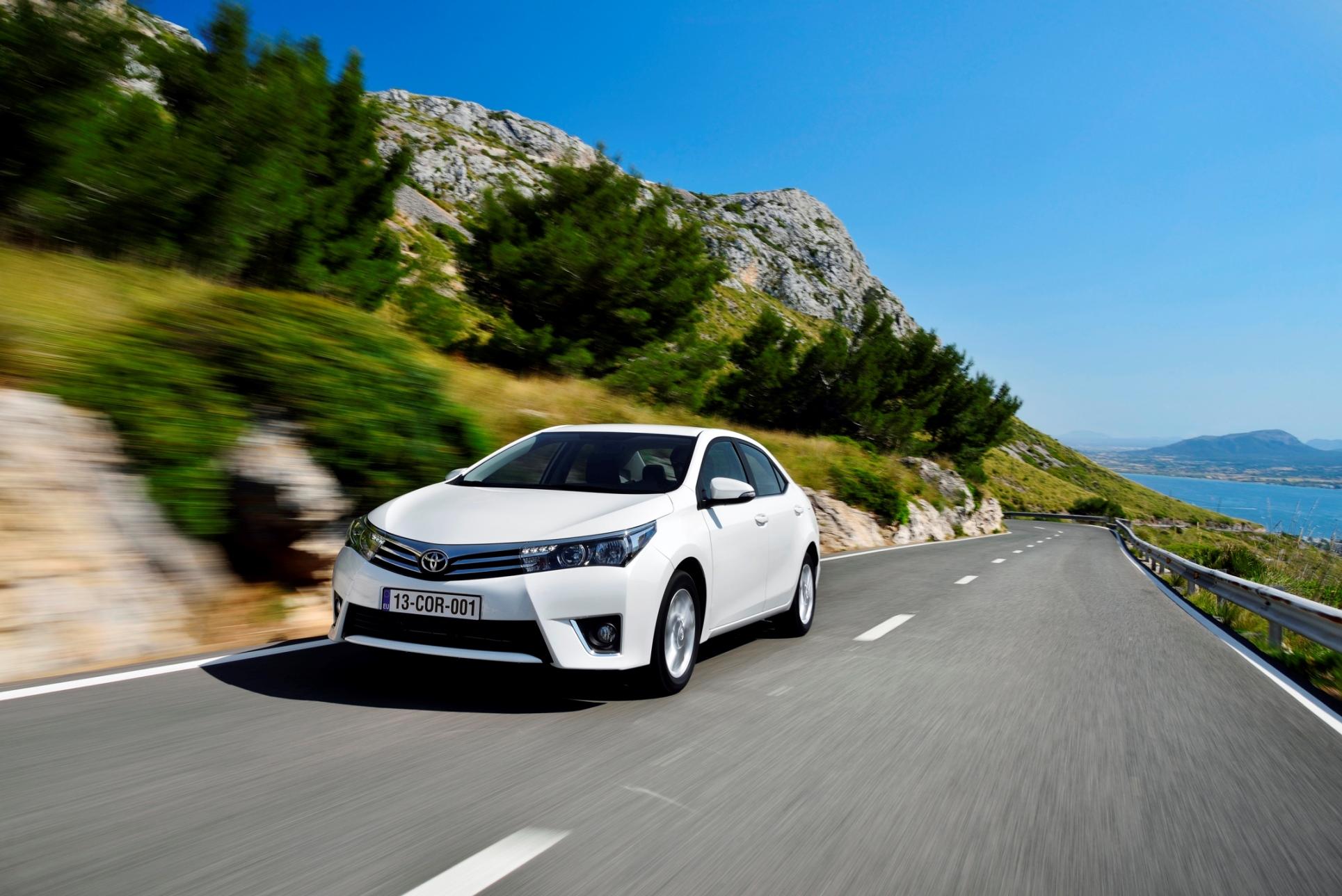 Toyota Corolla alana tablet BEDAVA...