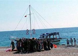 Kaçak göçmenler Marmaris'ten tekne satın alarak Rodos Adası'na geçti