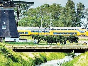 Rüzgar enerjisiyle giden tren şaşırtıyor