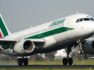 Alitalia uçağına bomba ihbarı