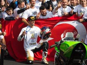 Kenan Sofuoğlu Fransa'da şampiyonluğunu ilan etti