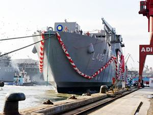 Askeri gemiler Türk Loydu'na emanet
