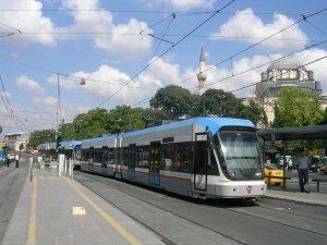 İstanbul'da tramvay kazası! Seferler durdu