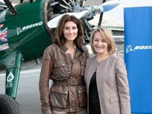 İngiliz kadın pilot, çift kanatlı tarihi Boeing Stearman uçağı ile İstanbul'a geldi