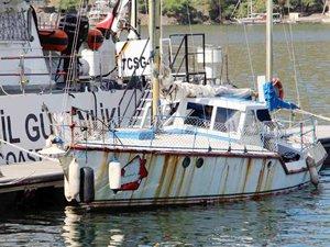 Fethiye'de boğulmak üzere olan kaçakların imdadına Sahil Güvenlik yetişti
