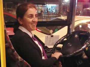 İstanbul'un tek kadın otobüs şoförü