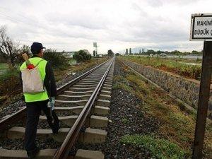 Yalnız demiryolu işçisi tatile gidiyor