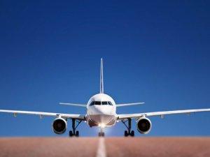 Uçak havalanmadı, yolcular tepki gösterdi