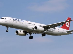 THY Mısır'da kalan yolcularını İstanbul'a getirdi
