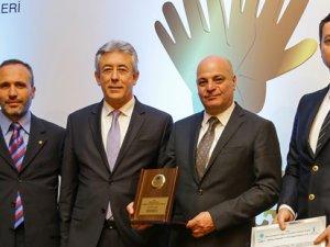Otokar'ın otomatik kum toplama sistemine ödül