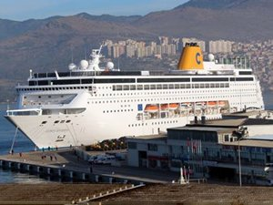 İzmir kruvaziyer turizmi sezonunu yüzde 30 düşüşle kapattı