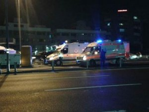 Metrobüs yolunda kaza: 4 kişi yaralandı