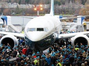 İlk 737 MAX  görkemli törenle tanıtıldı
