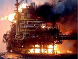 Socar, yangında hasar gören platformda üretimi durdurdu