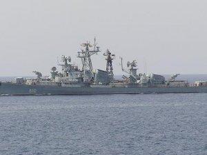 Rus savaş gemisi, Türk balıkçı teknesine uyarı ateşi açtı