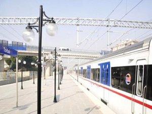 İZBAN'da elektrikli tren denendi