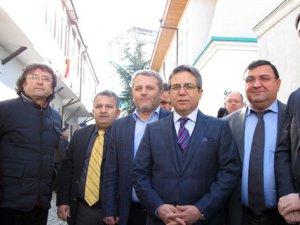 Sarp Sınır Kapısı'nda 40 TIR'a izin çıkmadı