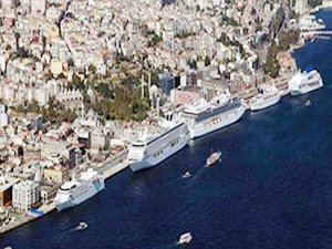 Dev gemilerin ağırlandığı Karaköy limanı sessizliğe büründü