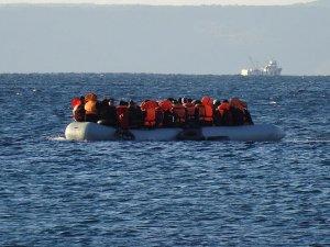 Kaçakları taşıyan bot battı: 7'si çocuk 11 ölü