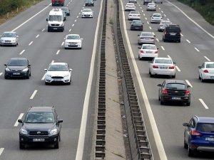 Rekabet Kurumu, zorunlu trafik sigortası fiyatlarında yüksek artış yapıldığı iddiaları üzerine, sigorta şirketlerine yönelik ön araştırma süreci başlattı.