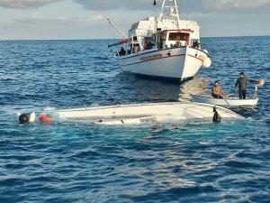 İzmir'de sığınmacıları taşıyan tekne alabora oldu: 9 ölü