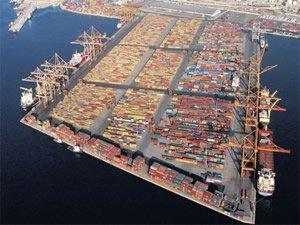 Pire Limanı'nın yüzde 67'si Çinliler'in oluyor