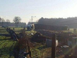 Hollanda'da tren raydan çıktı: 1 ölü