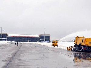 Yüksekova Havalimanı 6 aydır hizmet veremiyor