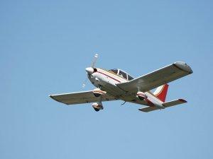 Jamaika'da küçük uçak düştü