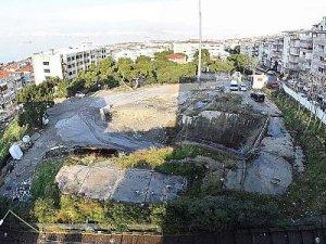 İzmir'de eski metro tüneli girişine 440 araçlık otopark