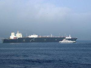 Tankerin geçişi sırasında Çanakkale Boğazı kapatıldı