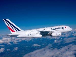 Air France uçağı drone ile çarpışma tehlikesi atlattı