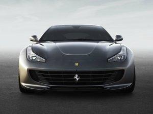Yeni Ferrari Türkiye yollarında