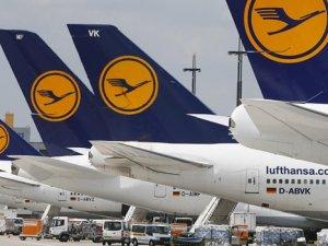 Düşük yakıt, Lufthansa karını uçurdu
