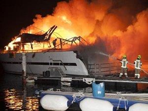 Abu Dhabi'deki yangında 8 yat kül oldu