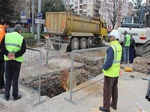 İzmit tramvay hattı için bulvar kazıldı