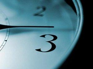 Saatler pazar günü ileri alınacak