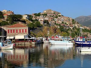 Midilli'de turizmciler umudunu Türklere bağladı