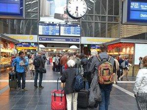 Almanya'da trenlerde kadınlar için özel bölüm