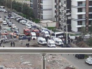 Diyarbakır'da şiddetli patlama: 4 polis şehit