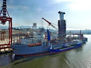 Arkas Petrol, dev sondaj gemisine Türkiye'nin en büyük deniz motorini ikmalini gerçekleştirdi